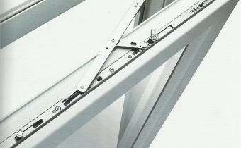 Услуги по ремонту и замене фурнитуры окон