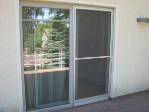 Что такое балконная москитная сетка ? Какую сетку выбрать.