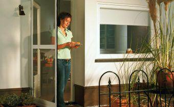 Сетка на балконную дверь от комаров